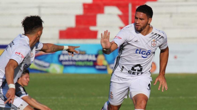 Independiente cae a manos de Real Santa Cruz