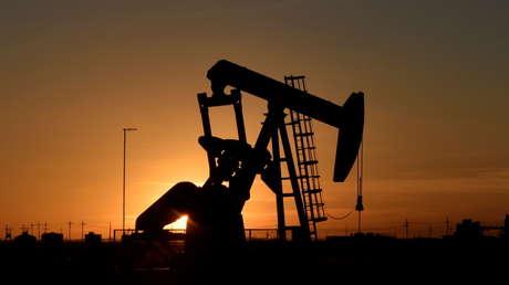 Advierten que las variantes del covid-19 pueden enfriar la recuperación de la demanda de petróleo en 2021