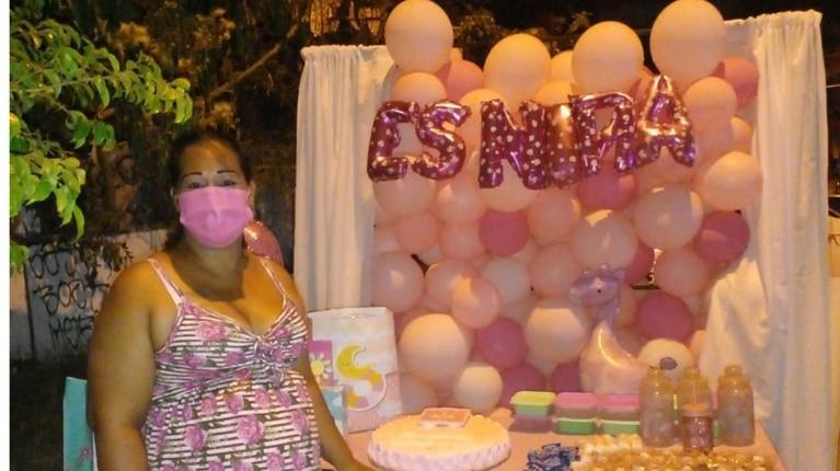 Invitó a su familia a un baby shower, no fue nadie y la reacción fue viral. Foto: facebook.com/zayakitalopez