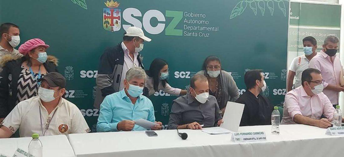 Luis Fernando Camacho convocó a una tercer sesión del CAD / Foto: Silvia Gómez