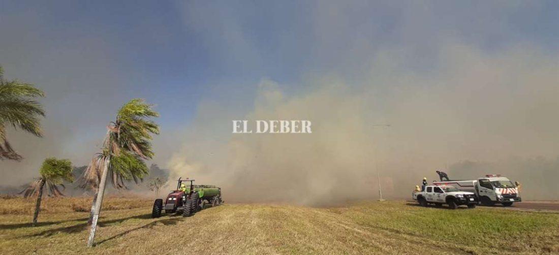Foto Fuad Landívar: el fuego ya fue controlado en la zona de Viru Viru.
