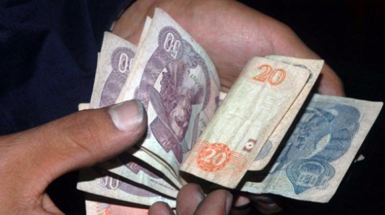 ¿Es posible contagiarse de COVID-19 por el dinero en efectivo?