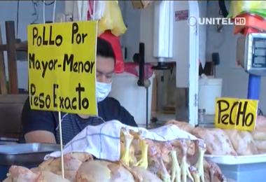 Carne de pollo en mercados de Santa Cruz