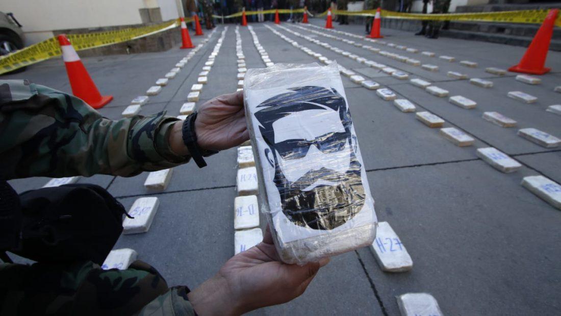 Paquetes de droga con la imagen del líder de Sendero Luminoso, Abigail Guzmán.