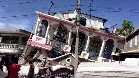 Aumenta a 227 el número de muertos tras el terremoto de magnitud 7,2 cerca de la costa de Haití