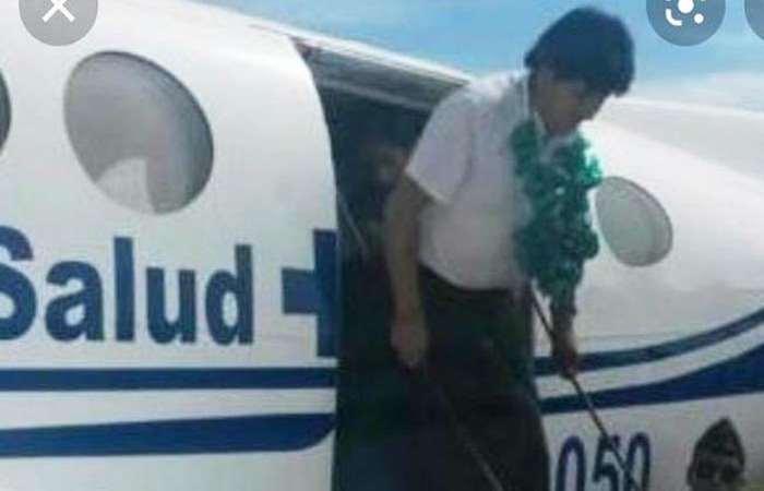 """Morales entregó en 2015 el """"avión ambulancia"""" (Foto: internet)"""