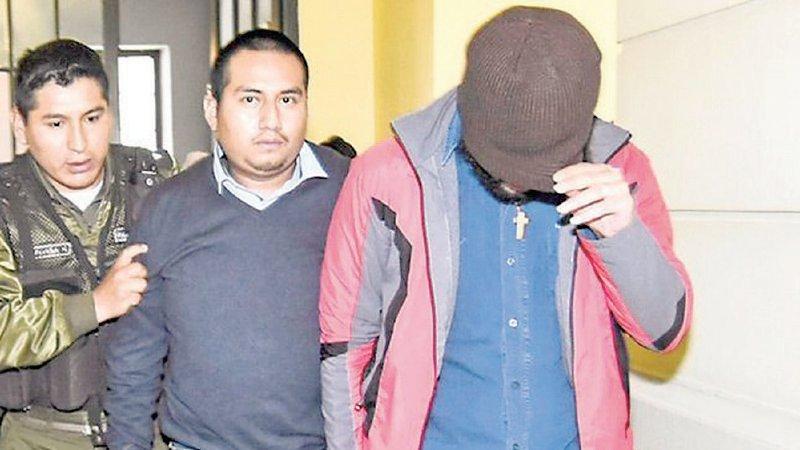 Desfalco al Banco Unión: esposa, socio y chofer de Pari se declaran culpables