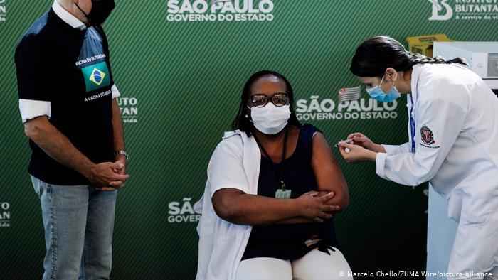 Brasilien Covid-19   Sinovac und AstraZeneca Notfallzulassung