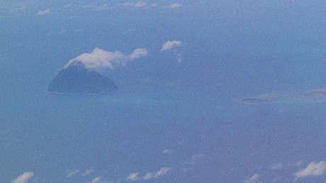 Una erupción volcánica crea una nueva isla en Japón (VIDEO, FOTOS)