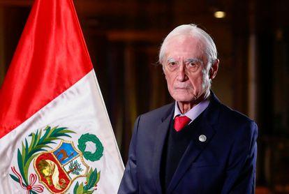 Foto oficial del exministro de Exteriores de Perú, Héctor Béjar, difundida por el Gobierno el 29 de julio de 2021.