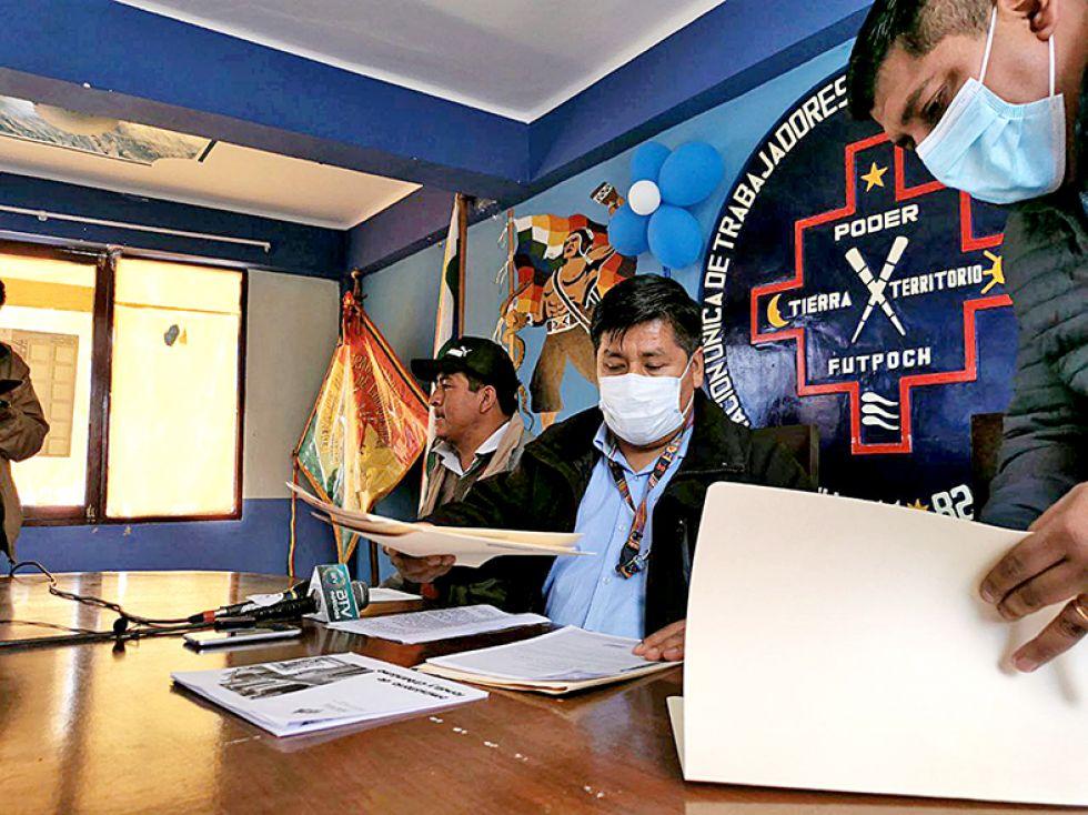 El viceministro Roger Cruz, en una conferencia de prensa el lunes.