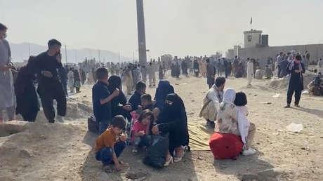 El Pentágono confirma que tropas estadounidenses abrieron fuego en el aeropuerto de Kabul para dispersar a las multitudes