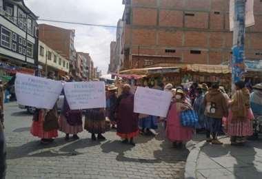 Vecinos de la zona 12 de octubre de El Alto