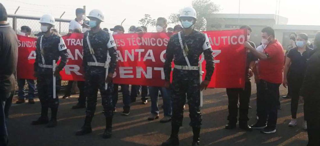 Varios vuelos han sido suspendidos por las demandas de los trabajadores de Aasana