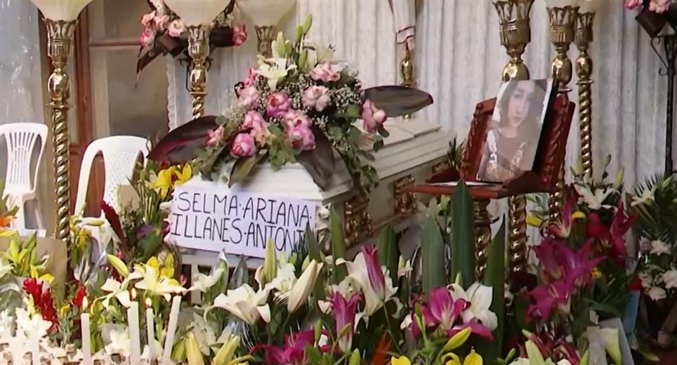 Familiares y amigos de Selma le dan el último adiós (UNITEL)
