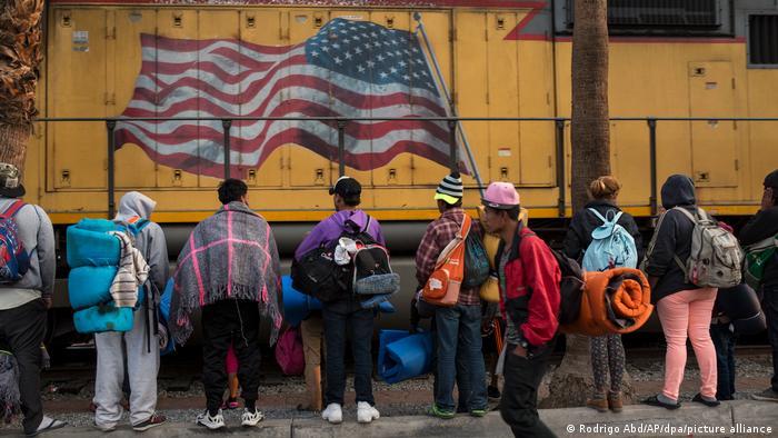 Migrantes varados en Mexicali, frontera sur con Estados Unidos