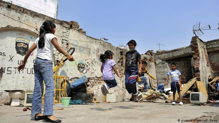 En amplias regiones de México campea la pobreza.