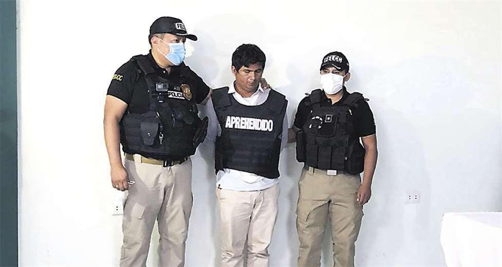 El detenido afronta delitos de corrupción de menores y pornografía. Foto EL DEBERto