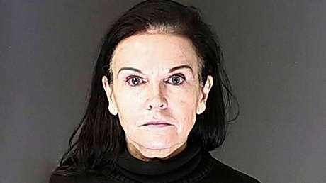 Una mujer escondía a 26 niños detrás de una pared falsa en el sótano de su guardería