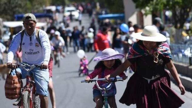 Imagen referencial del Día del Peatón en Cochabamba en 2019.  ARCHIVO