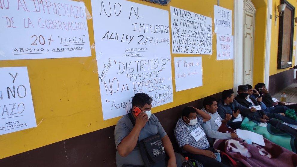 Varias personas inician una huelga de hambre en la Plaza Principal. Noe Portugal