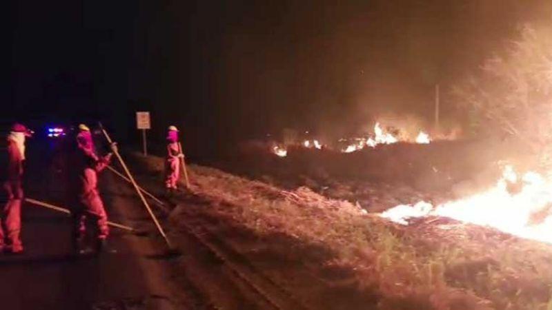 Una turba quema el puesto Aduanero de Yacuses (VIDEO)