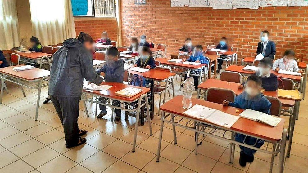 Escolares pasan clases en pandemia. ARCHIVO