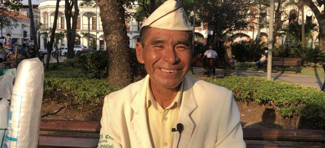 Cruz Aleluya, vendedor de café en la plaza 24 de septiembre/Foto: Brissa Pabón