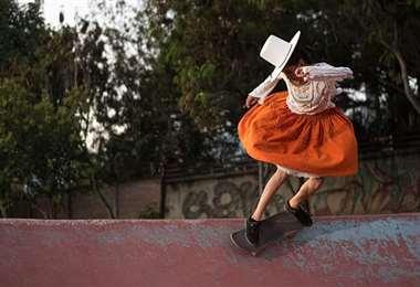 Imillas Skate muestran toda su destreza a bordo de sus skate. Foto: Gux Fotografía