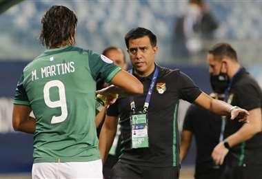César Farías y el capitán Marcelo Martins