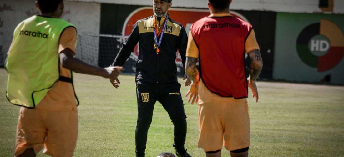 Cristian Díaz debutará como DT del Tigre en la reanudación del torneo. Foto: The Strongest