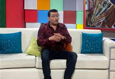 Jhonny Fernández dio detalles sobre el pago del Bono Escolar / Foto: Keiner Sejas