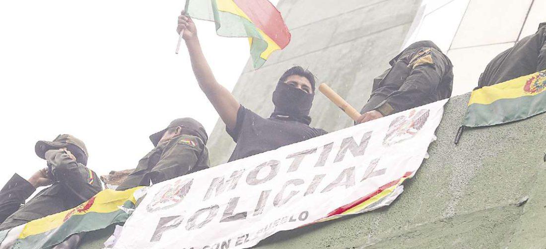 El 8 de noviembre del año pasado se produjeron motines policiales en varios departamentos del país.