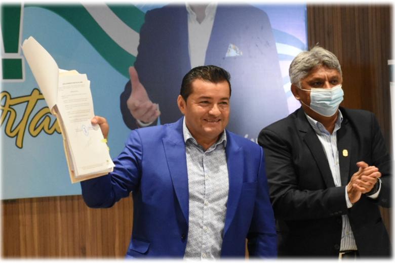 Fernández promulgó la Ley de las APP. Foto. Prensa Alcaldía