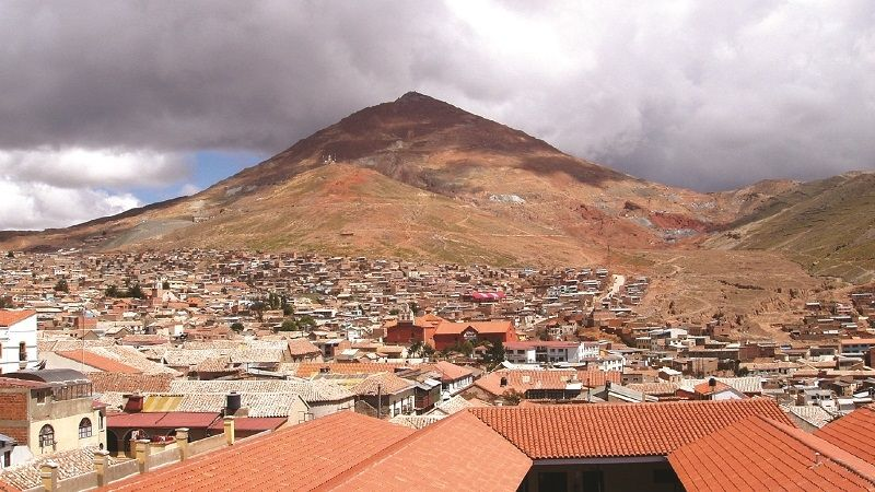Tres mineros mueren por intoxicación al interior del Cerro Rico