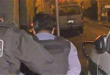 Roberto H. fue detenido la noche del martes junto a otro sospechoso (UNITEL)