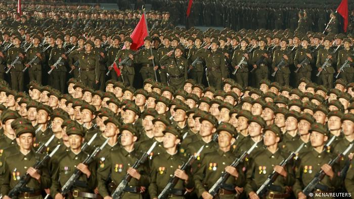 Corea del Norte no ha confirmado ningún caso de COVID-19, pero ha cerrado las fronteras y ha impuesto estrictas medidas de prevención, considerando la pandemia como una cuestión de supervivencia nacional.