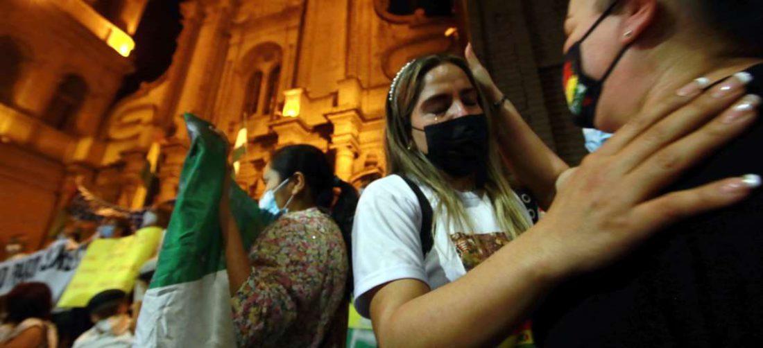 Carolina Ribera llora al ver las manifestaciones de afecto /Foto Ricardo Montero