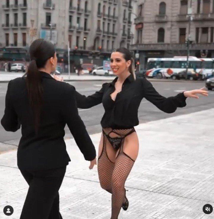 """La panelista de """"LAM"""" fue sumamente criticada en las redes sociales por el atuendo que eligió para cerrar su campaña. Captura de video"""