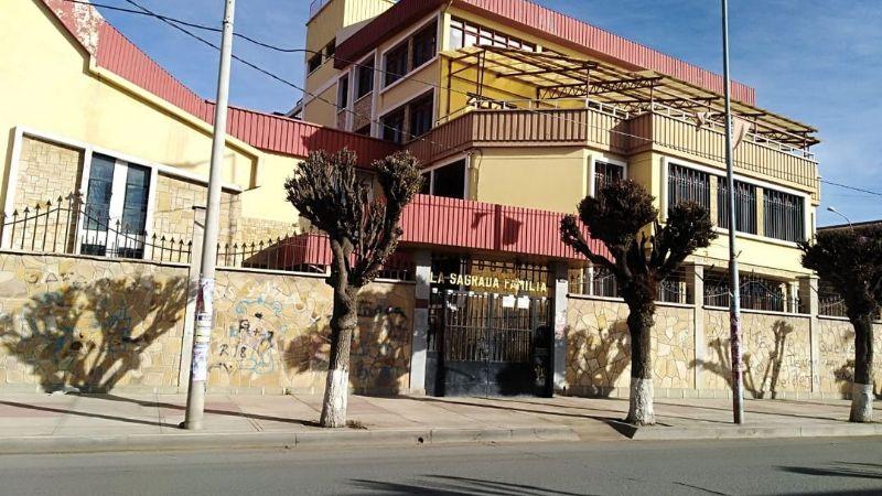 Muere una de las 77 personas contagiadas con covid en un asilo de Oruro