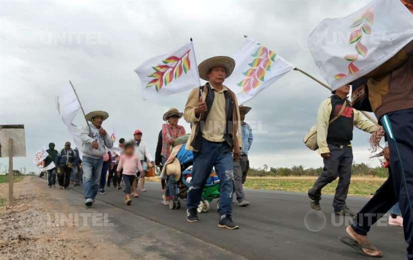 Marcha Indígena saliendo de Ascensión de Guarayos - Foto: Rodolfo Orellana