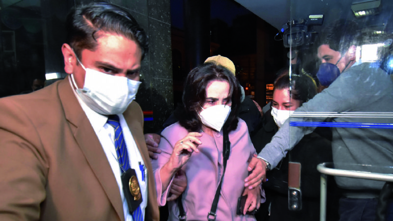 Detienen, trasladan a La Paz y tras 6 horas liberan a la hermana de Samuel