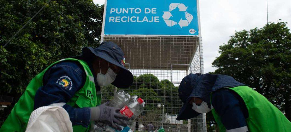 os contenedores son entregados y distribuidos gratuitamente a cada uno de los municipios