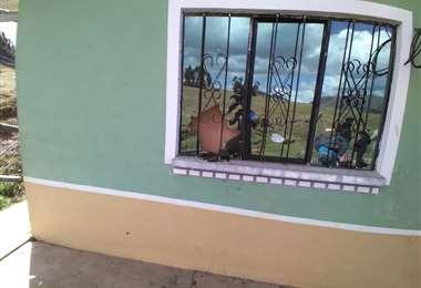 En la agresión rompieron vidrios de la vivienda del minero