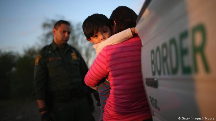 Grenze Mexiko USA Mutter und Kind