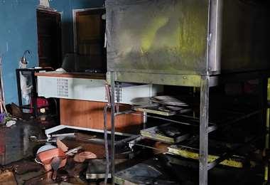 El incendio se produjo en un local donde venden pizzas