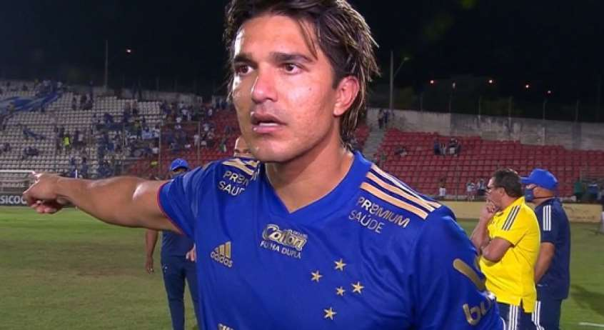 Marcelo Martins cuestionó al árbitro que los dirigió ante Operario. Foto: Lance