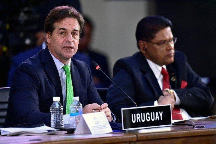 El presidente uruguayo, Luis Lacalle Pou, cuestionó la falta de democracia en Venezuela, Nicaragua y Cuba. (AfP)