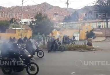 Contingente policial gasifica a los cocaleros de los Yungas