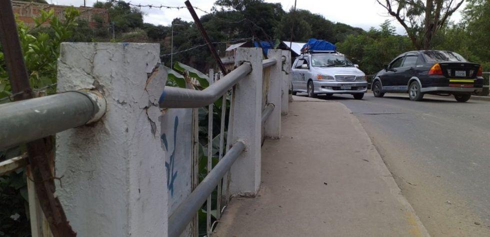 Transporte pesado de Tarija aguarda notificación sobre el cierre del puente Tomatitas